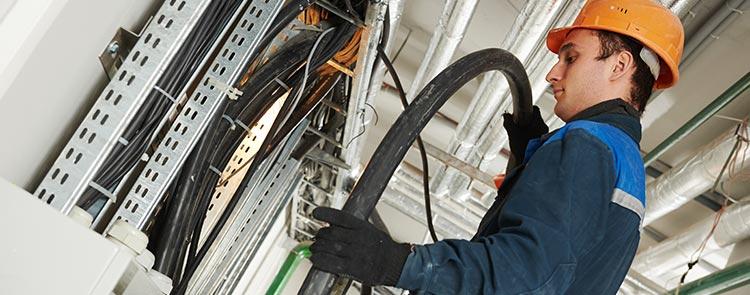 maintenance monte charge à Avrillé